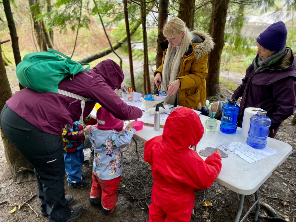 Learning at a weeSTEMs session outdoors in Balloch, West Dunbartonshire, Scotland.